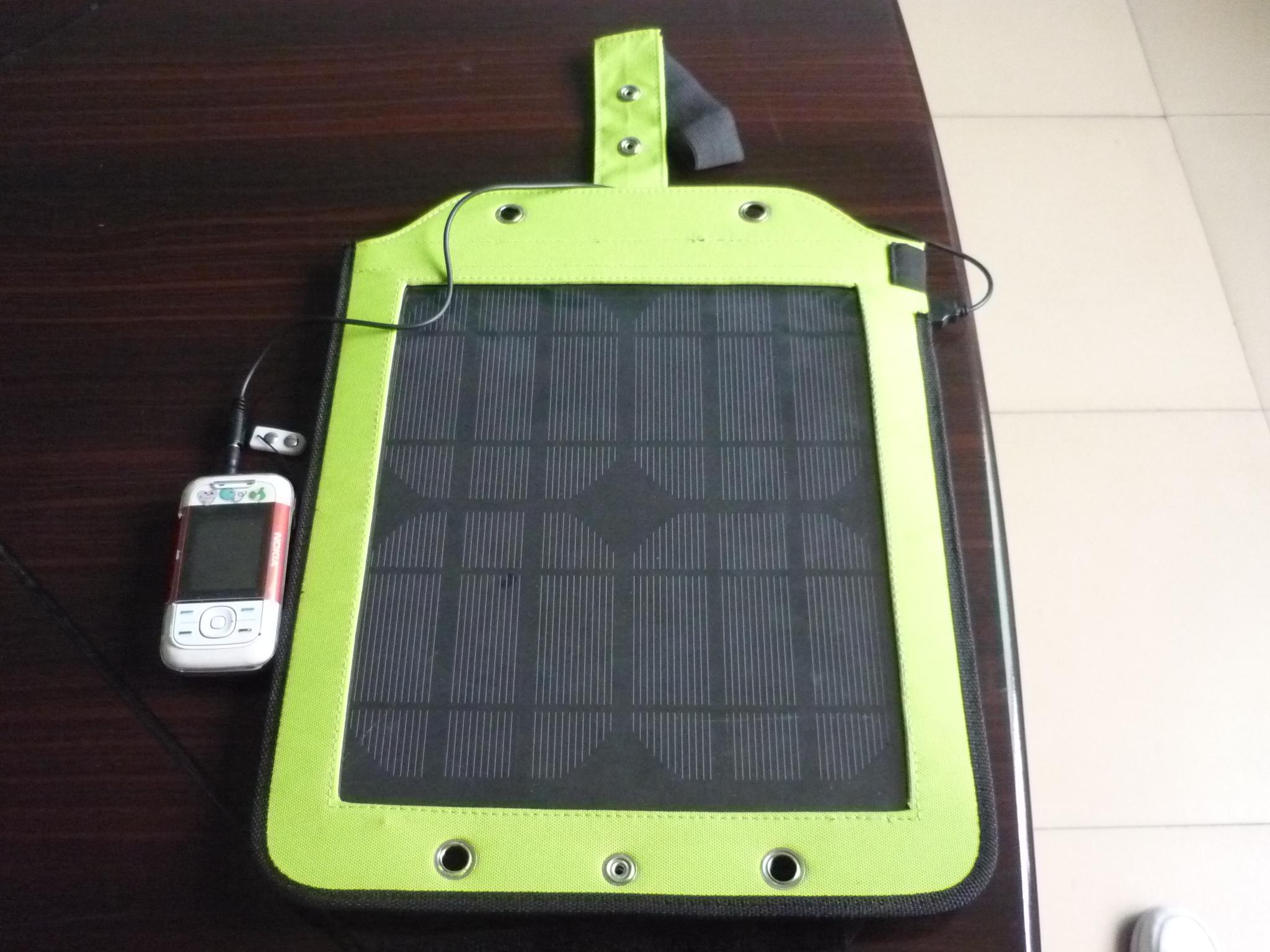 Solar Tour Series Solar Charger SC-09